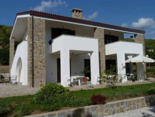 apartment for 4 people in villa with pool
