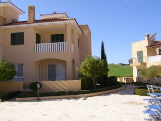 Three bedroom villa on a popular complex with A/C and WiFi included