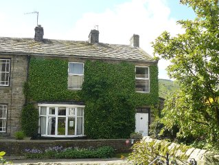 Gorgeous spacious cottage In Gunnerside, Swaledale, Yorkshire Dales