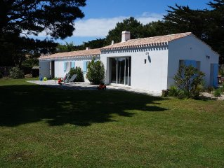 Property 10 people on garden of 1500 m2 to 250 meters from the beach.