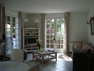 House 300m from the sea to calm, in the pines. Package 2 nights Vendee globe