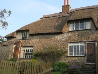 Beautiful Grade II Listed 3-Bedroomed Thatched Cottage in Dorset
