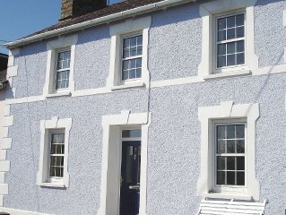 Cottage with beautiful views of Cardigan Bay