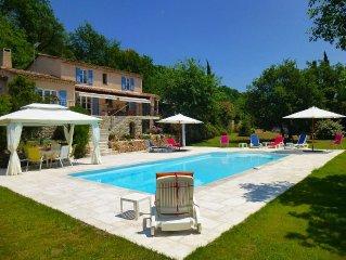 Belle villa provencale climatisee avec grande piscine, classee 4 etoiles