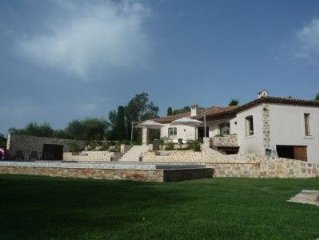 Sea And Mountain Views In Tranquil Location, 2 Minutes From Valbonne
