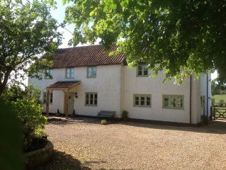Somerset Country Cottage, Set In 2.5 Acres, Rural Village, Stunning Scenery.