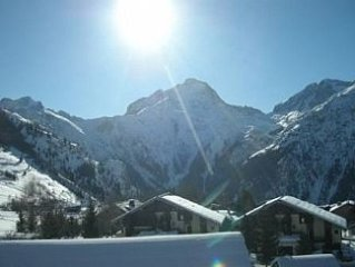 Ski to door 2 bed apartment with beautiful mountain views