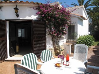 Villa In El Palmar With Large Private Garden, Wi-Fi and Communal Swimming Pools