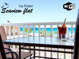 Can Picafort seafront flat. 6 pers. WIFI. A/C. Terrace in front of the sea.