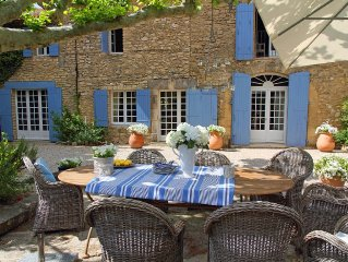 5* Luberon 18th Century Farmhouse, (Mas) Sleeps 14 In 7 Bedrooms/6 Bathrooms, Pr