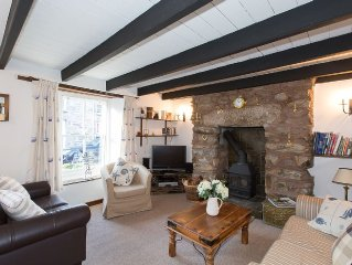 Charming 19th century terraced cottage close to Porthleven harbour and beach