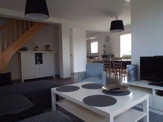 Maison récente au calme, bord de mer, plage à pied, 8 pers, 4 chambres, 2 SDB