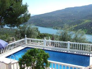 *** CASA FELIZ *** Outstanding private villa & pool with mesmerising lake views