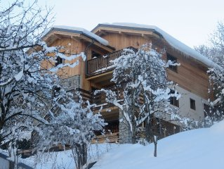 Nice bright new chalet in wood and stone on the Three Valleys (Brides)