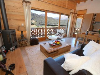 Chalet Mayreau - Luxury 2 bed self catering chalet with 'STUNNING' mountain view