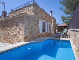 Idyllic Stone Villa with Private pool only minutes from amenities - REDUCED
