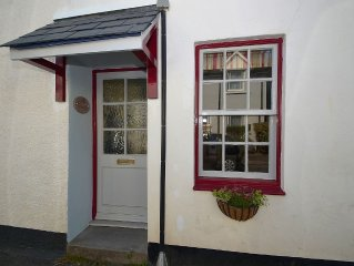 Country Terrace Cottage close to the River Dart and Totnes Town Centre