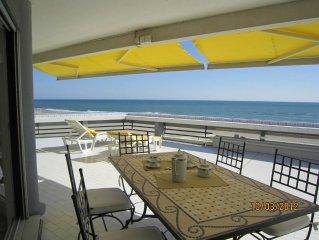 Immeuble de standing , magnifique terrasse de 80 m² face à la mer