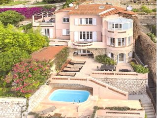 Bay of  Villefranche....  5 bed villa with pool and 100 yards to beach