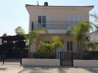 Lovely Villa with Private Pool in Ideal Family Location