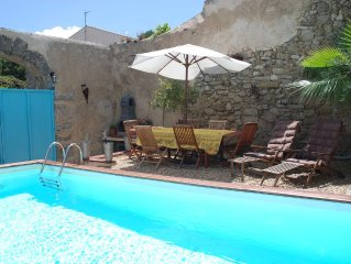 Stylish villa w/ private pool - under 50 mins from five budget airports