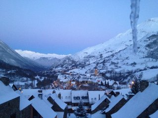 BAQUEIRA BERET MOUNTAIN EDEN HOUSE: VIEWS TO THE VALLEY, SKY AND MOUNTAIN RELAX