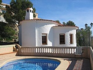 Detached 3-Bed Villa For 6 With Private Swimming