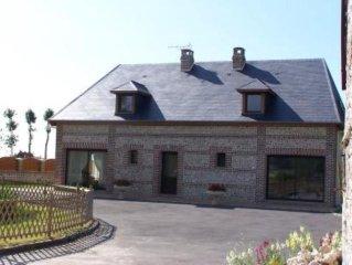Bordeaux Saint Clair: Maison de caractere en briques et silex.