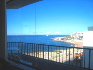 CENTRAL SEAFRONT Apartment-GREAT CRUISELIKE  SEAVIEWS-NEAR BEACH & ENTERTAINMENT