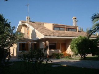 Detached Luxury Secluded Villa with Private Pool. Sleeps 10- close to sea.