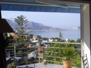 Belle maison d'architecte climatisee avec piscine privee et super vue mer