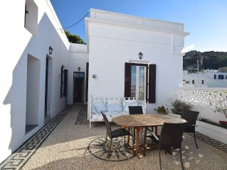 Ideal for self-catering. Central village location &  lovely courtyard