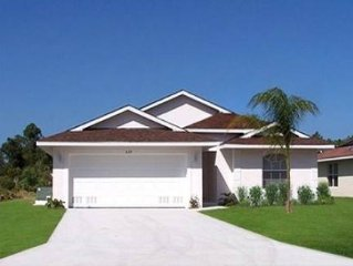 Beautiful Luxury Villa with pool,beach and golf course close In Rotonda