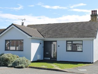 Modern Bungalow, Pet Friendly, With Private, Enclosed, South Facing Garden