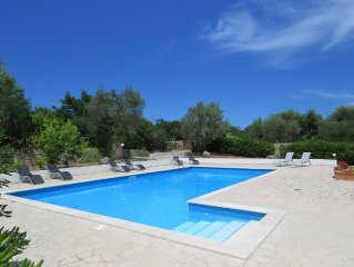 Magnificently large Villa, nr historical Ostuni, Beaches, WiFi