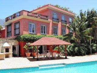 Gran Casa Colonial con  piscina en un jardin tropical y vistas al oceano