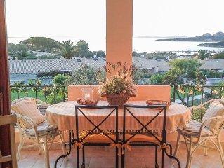 Appartamento molto curato, terrazza fronte mare, vista spettacolare sul Golfo.