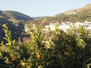 Renovated village terraced house with private pool and valley views!