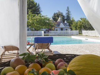 Luxurious Trullo with Large Pool and Garden. Great Location.