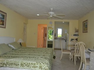 Fully upgraded studio apartment within golf resort, close to beaches