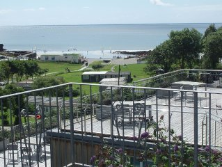 Newly-refurbished 2 bedroom villa, fantastic view of sea and countryside