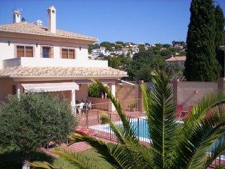 Villa 14 Pers. air cond., 2 lits bébé, WIFI et piscine protégée par barrière