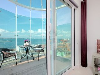 Luxury Penthouse With Spectacular Sea Views