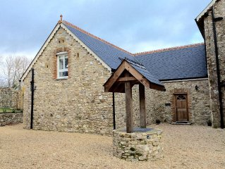 3 Bedroom Stone Cottage In 'Area Of Outstanding N