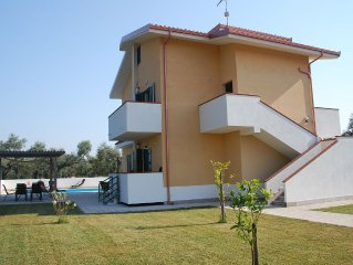 Villa sleeps 10 with private Pool and Garden. WiFi and Air Con, close to beach