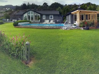 Super holiday, 30meters to the sea, heated swimming pool, family-friendly