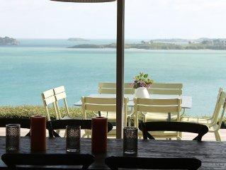 Fabuleuse Villa surplombant la mer, escallier privatif sur une plage...