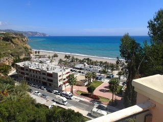 Some of the best views in Nerja, 180 degree sea & mountain view. Modern property