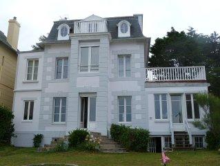 Magnifique villa  4* en bord de mer,  emplacement exceptionnel.