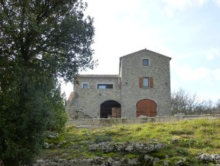 Detached stone house, great views, 10 minutes from the river, private pool